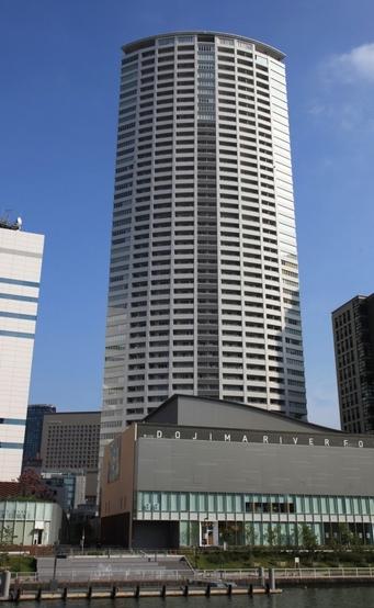 ザ・タワー大阪(外観)